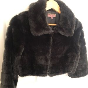 Forever 21 Cropped 3/4 Sleeve Faux Fur Jacket
